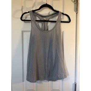 Under Armour Tank Tops 2